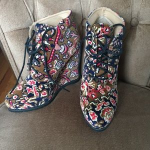 Free People / Urban Outfitters bohemian shoes